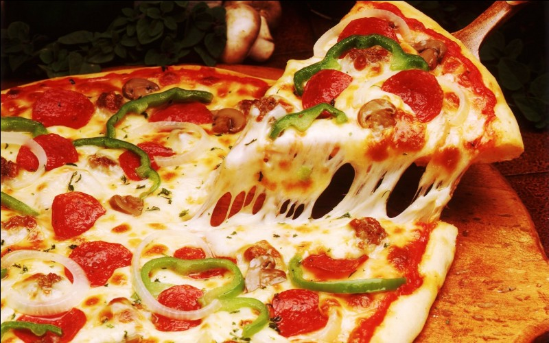 True or false ?The pizza is only composed of cheese and potatoes.