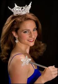 Who was elected most beautiful woman on Maine in 2009 ?