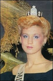 Who was elected as the most beautiful woman on Estonia in 1988 ?