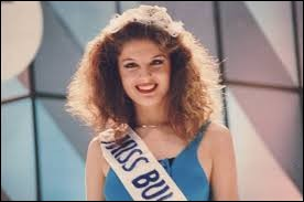 Who was named most beautiful woman on Bulgaria in 1990 ?