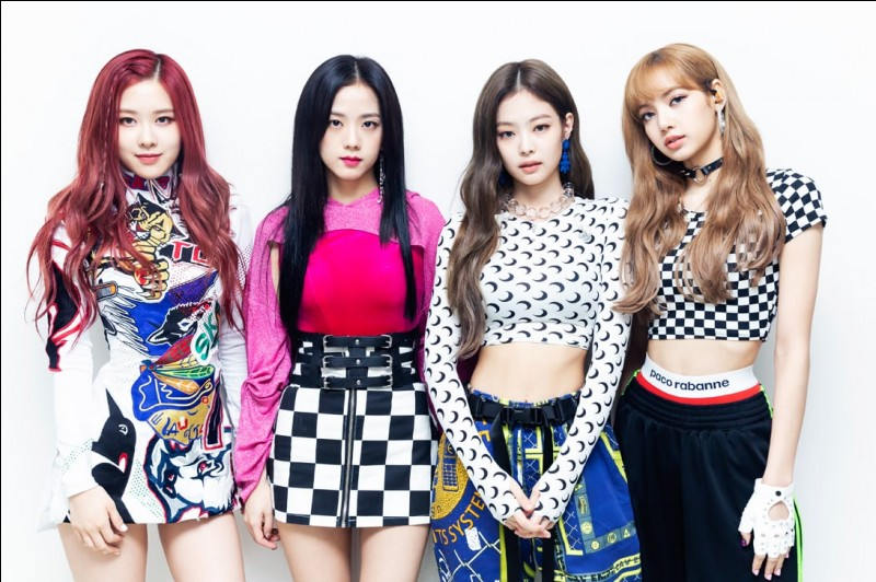What is the name of the official lightstick of Blackpink?