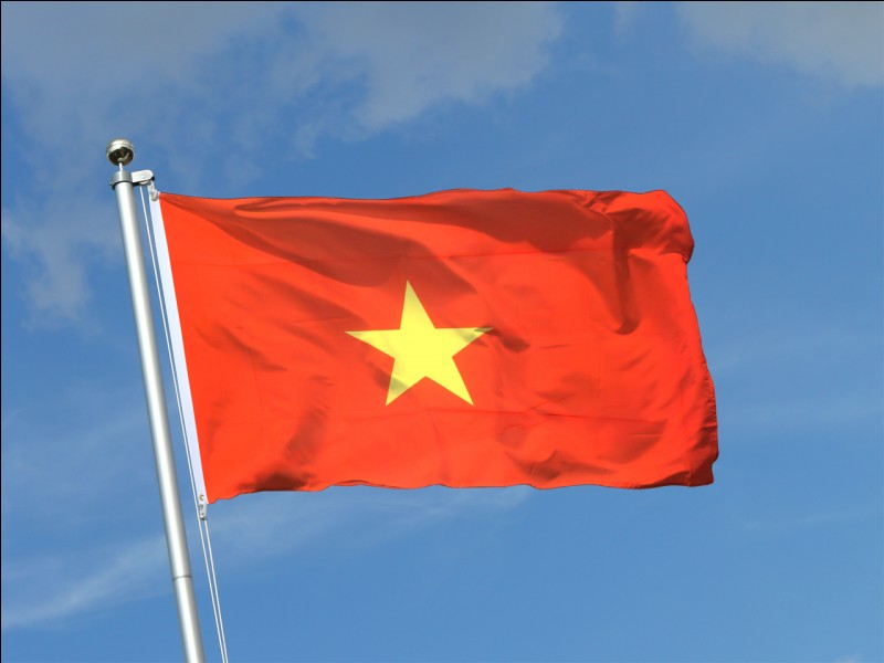 "True or false? In Vietnam, some people live on boats, called ""sampans""."