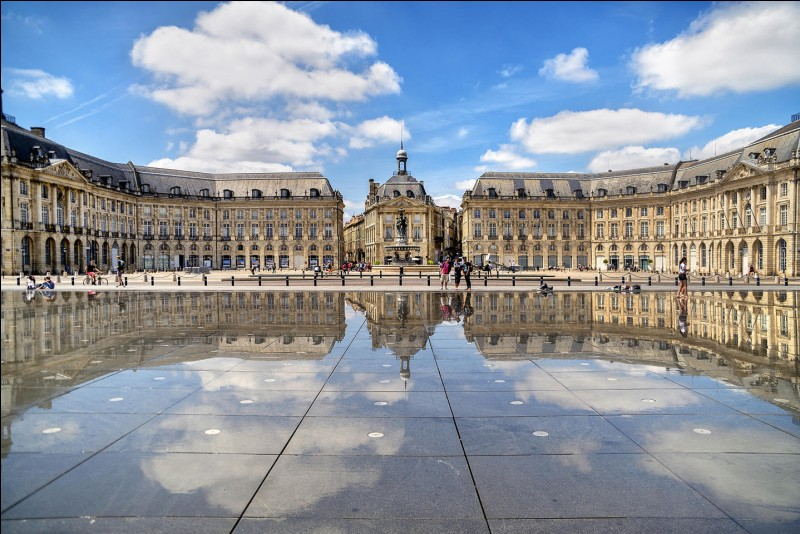 In which country do you go if you go to Bordeaux?