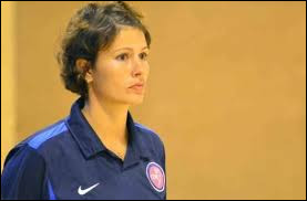 What country is the coach (Hand Ball) Elena Groposila from ?