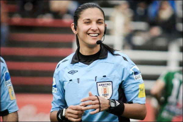 What country is the referee (Soccer) Claudia Umpierez from ?
