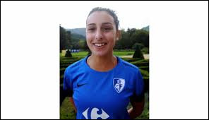 What country the athlete Lina Khelif is from ?
