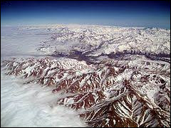 What is the longest mountain range in the world ?