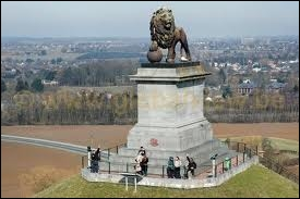 On the site of which Napoleonic battle was the Butte du Lion erected in 1826 ?
