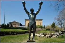 In which American city can we see the statue of Rocky Balboa ?