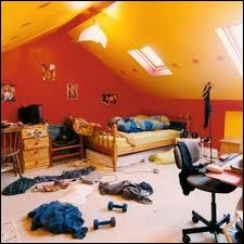 There is an awful mess in this room! How did it come (... ) ?