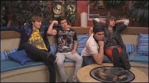 What is the name of Deke's review of Big Time Rush in 'Big Time Blogger'?