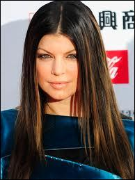 She has _______ hair.