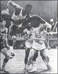How many rebounds per game did Bill Russell average during his career?