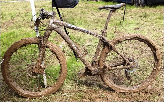 Somebody has ... my bicycle without asking. I'm angry, now it's covered with mud.