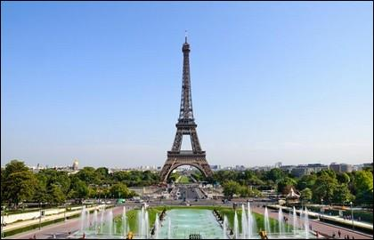Where can the Eiffel Tower be seen?
